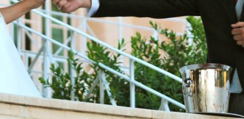 Sorprende a tus invitados de boda con un brindis inolvidable.