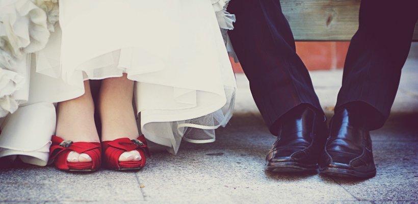 Un toque de color para el look de novia